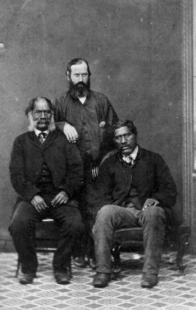 Hōri Kīngi Te Ānaua (left), John White (centre), and Te Ua Haumēne (right), 1860s