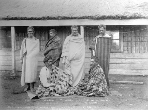 Ngāti Maniapoto chiefs, 1885, photographed by Alfred Henry Burton