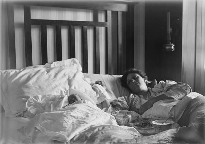Home birth, 1916