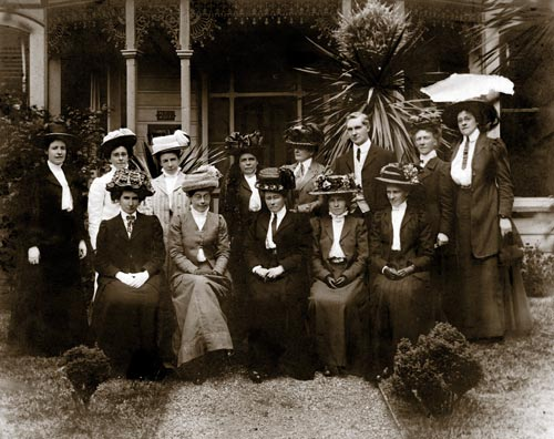 Trained nurses, 1909