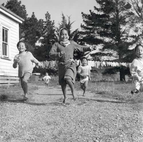 Māori children playing, 1964