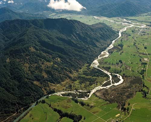 Mātakitaki River valley