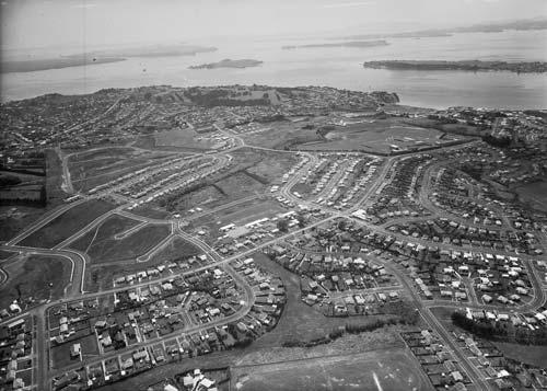 Suburban sprawl, Auckland, 1962