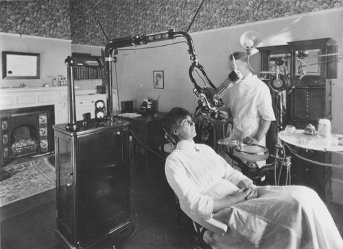 Early dental X-ray, around 1910