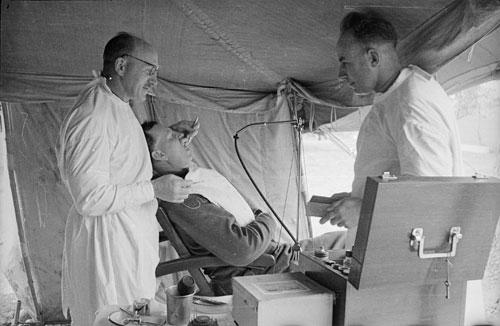 Wartime dentistry: Second World War