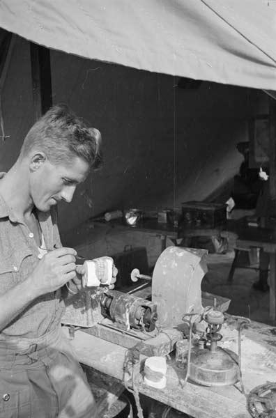 Wartime dentistry: dental technician in Italy, Second World War