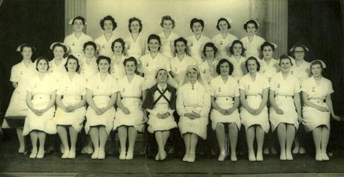 Dental nursing: training-school graduates, 1943