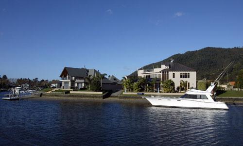 Pāuanui houses