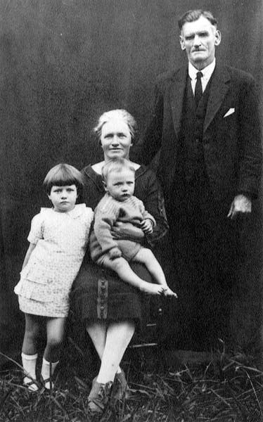 Alice Parkinson and family, about 1930