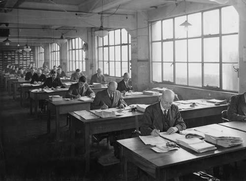 Public servants: Census and Statistics Department staff, 1946