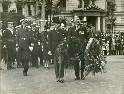 Anzac Day wreath-laying, 1931.