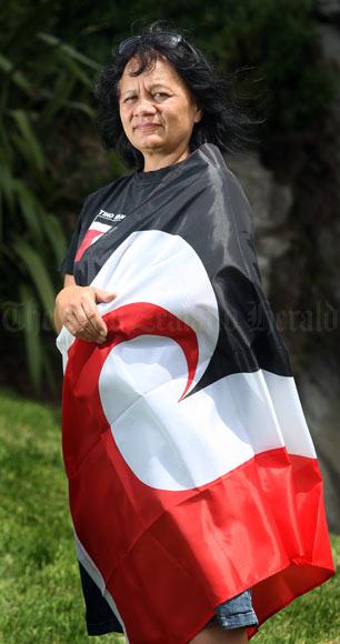Tino rangatiratanga flag: Linda Munn, 2009