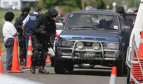 Armed police near Rūātoki