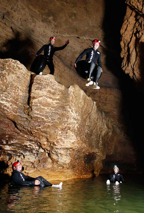 Waitomo Caves: black-water rafting