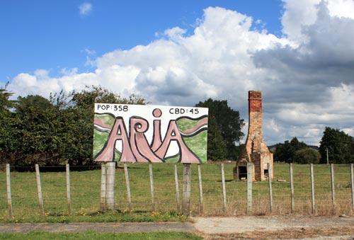 Population sign, Āria, 2011