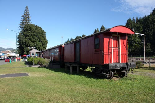 Railway carriage café, Taumarunui, 2011