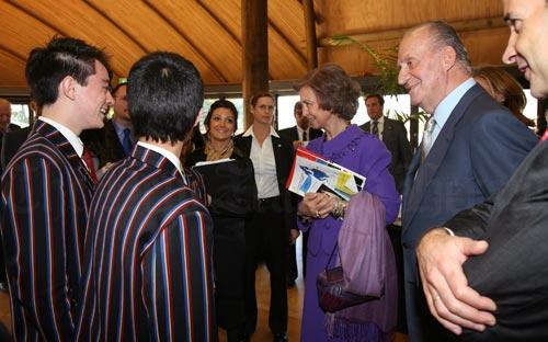 King's College students meeting King Juan Carlos