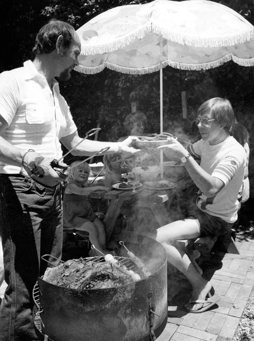 Man barbecuing, 1978