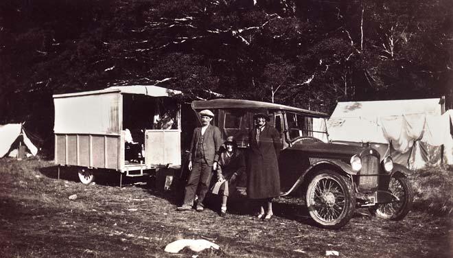 Home-made caravan, around the 1920s