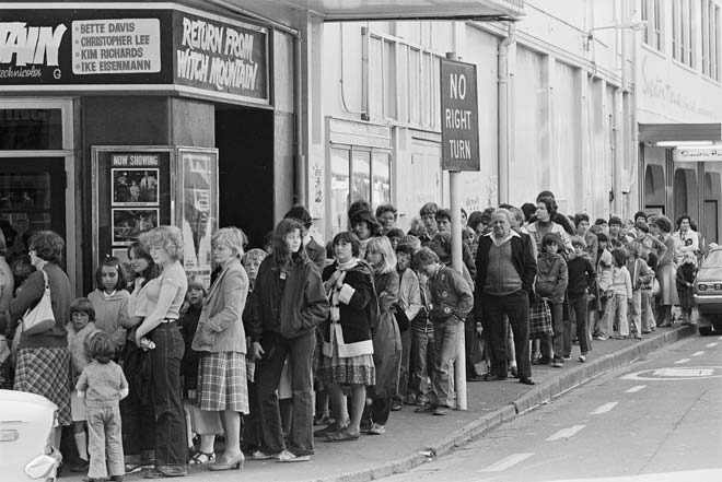 Matinee queue at the Lido, Wellington, 1980