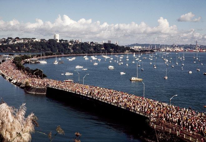 Round the Bays fun run, Auckland, 1980s