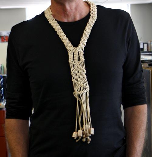 Loops and knots: macramé necktie