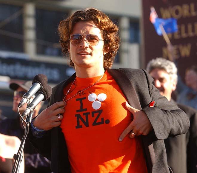 Orlando Bloom wearing a Huffer T-shirt, 2003