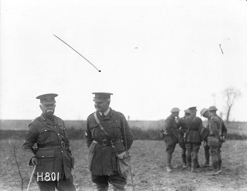 General William Garnett Braithwaite (left) and General Plumer in the field on 15 May 1917