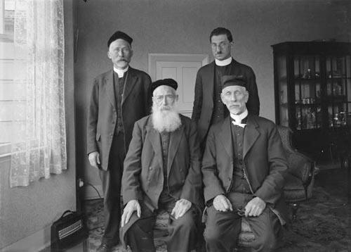 Jewish religious leaders
