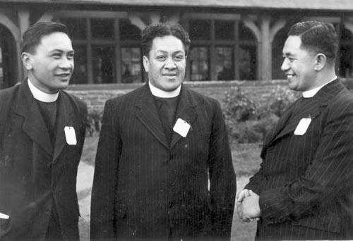 Anglican clergymen Hoepa Taepa, Wiremu Te Tau Huata and Rimu Hamiora Rangiihu (left to right), May 1950