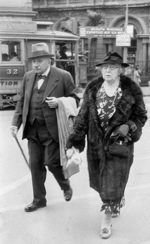 Raphael Squarise (left) and his wife Camille, Dunedin, about 1935
