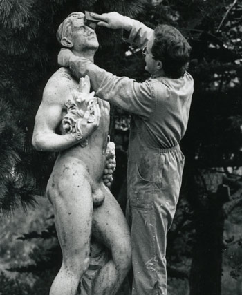 Cleaning Henry Holland's statue, 1987