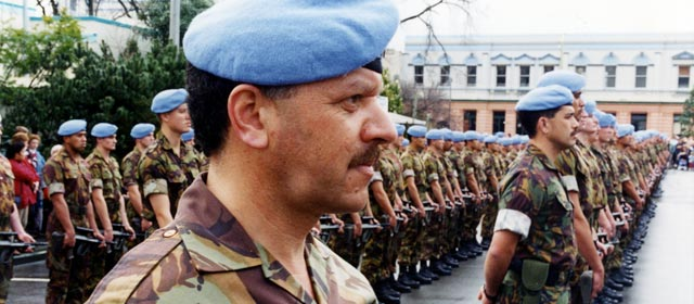 Farewelling New Zealand peacekeeping troops going to former Yugoslavia