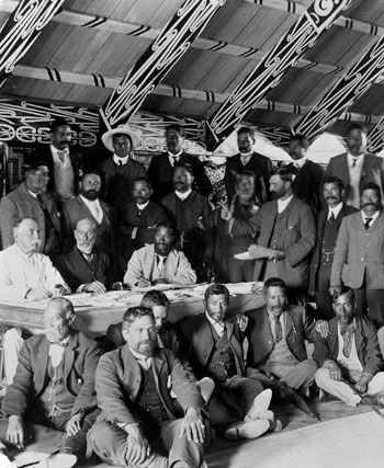 Meeting about the sale of Rotorua, Ōhinemutu, 1890