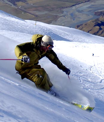 Skiing at Wānaka