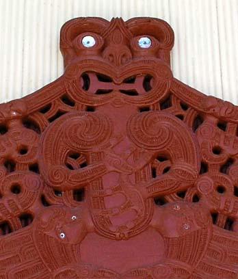 Carved lintel depicting Rongomaiwahine