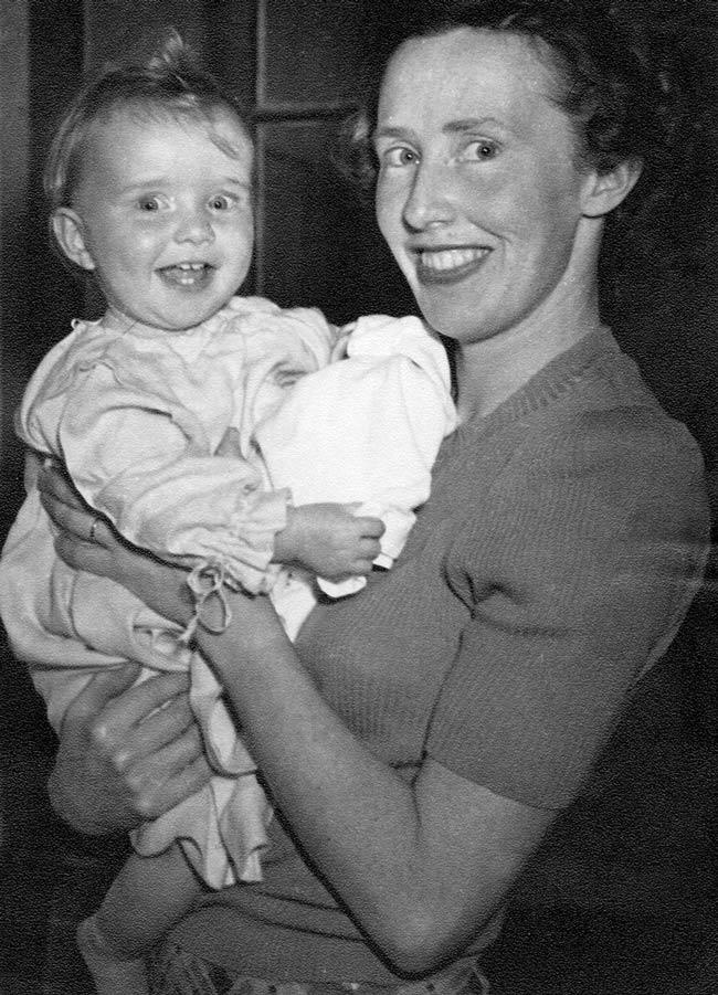 Lauris Edmond and daughter Frances, 1950