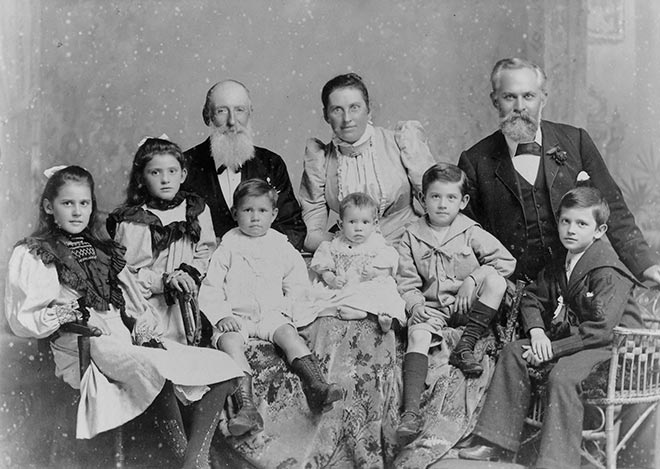 Mary Geddes (centre back) and her family, 1890s