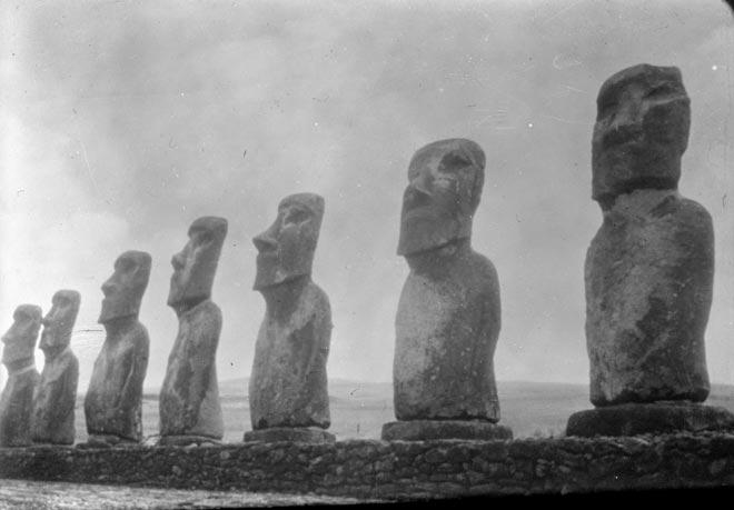 Ngā whakapakoko i Te Pito o te Henua (Rapanui)