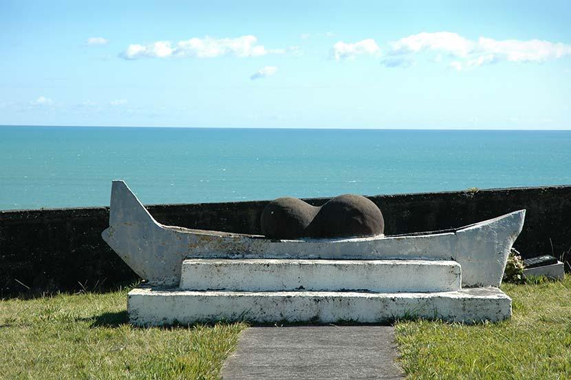 Tainui anchor stone, Maniaroa marae