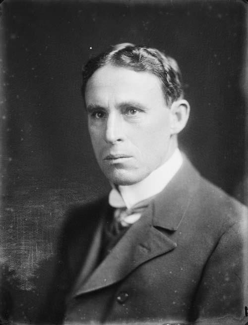 Malcolm Ross, 1910