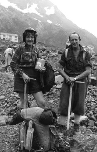 Mavis Davidson and Rod Hewitt