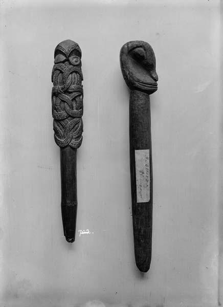 Whakapakoko rākau (god stick)