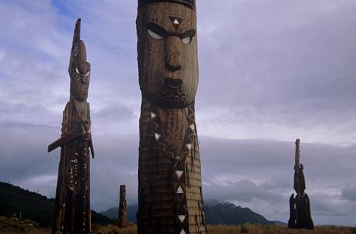 Māori sculptures