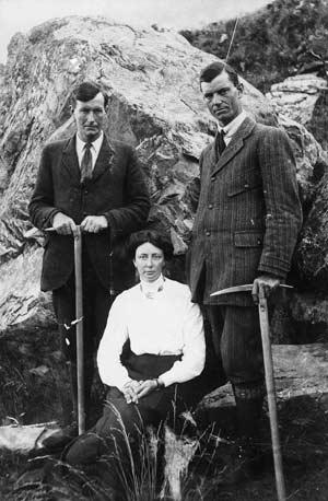 Freda du Faur with Alec and Peter Graham