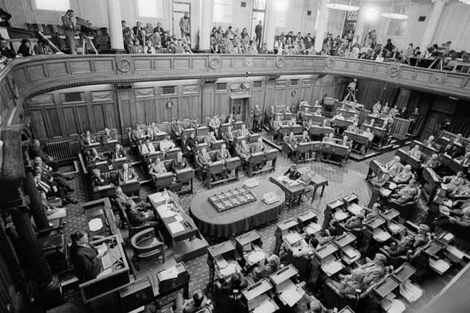 new zealand politics 1984 1993 In 1984, having played a he took a break from politics in 1993, when tragedy struck his family with his daughter philippa's suicide later he became deputy prime minister and was able to push through his project of a new zealand-owned bank.