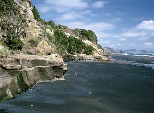 Mōkau beach