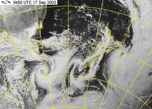 Storm forming, 31 October 2004