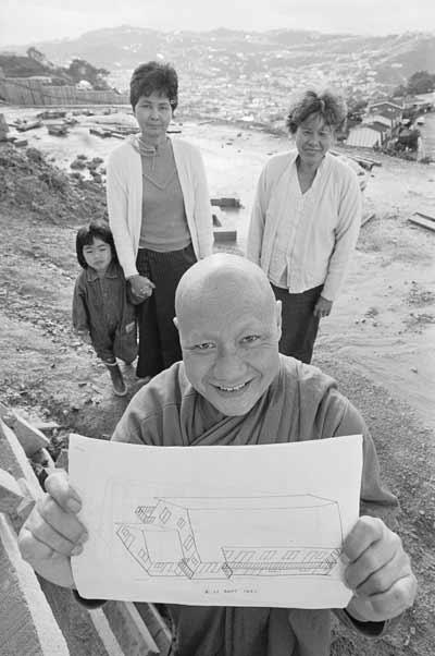 Monk Suthep Surapong