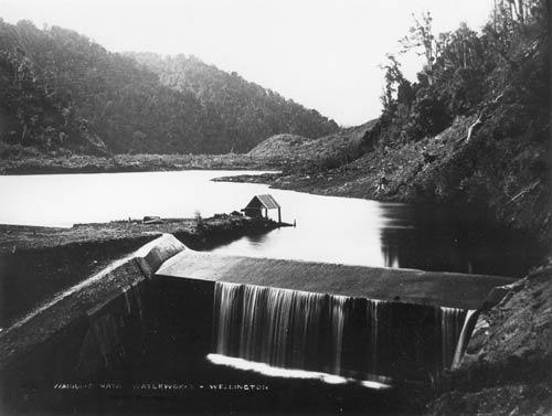 Building the Wainuiomata reservoir